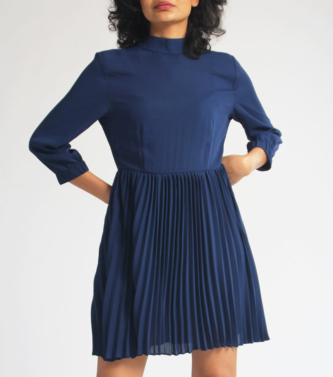 Lerna Quarter Sleeves Dress w/ Pleat Details (Navy Blue)