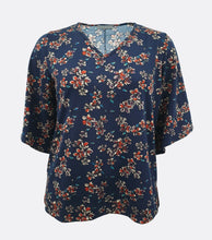 Load image into Gallery viewer, Fria Floral V-Neck Top (Plus Size)