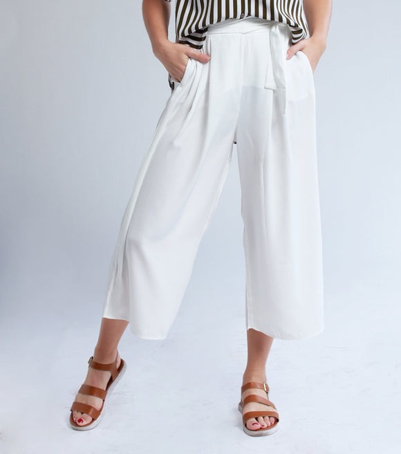 Jel Loose Pants With Self Fab Belt