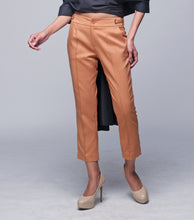 Load image into Gallery viewer, Luz Pintuck Tapered Pants w/ Tab