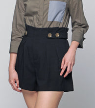 Load image into Gallery viewer, Lara High Waist Pleated Shorts