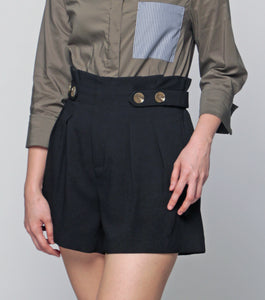 Lara High Waist Pleated Shorts