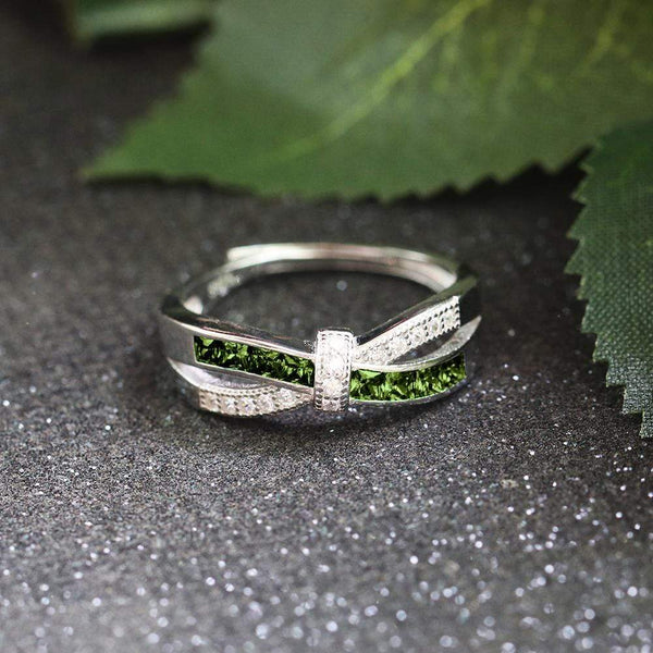 August Queen - Infinity Knot Ring