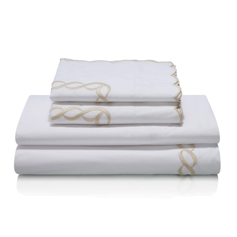 Pratesi Chain Design Egyptian Cotton Bedding Set. White with beige chain design.