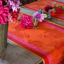 Parfums De Bagatelle Cotton Table Runner