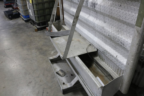 Used Merritt Headache Rack