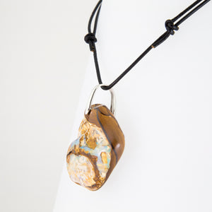 Opal on leather - 12