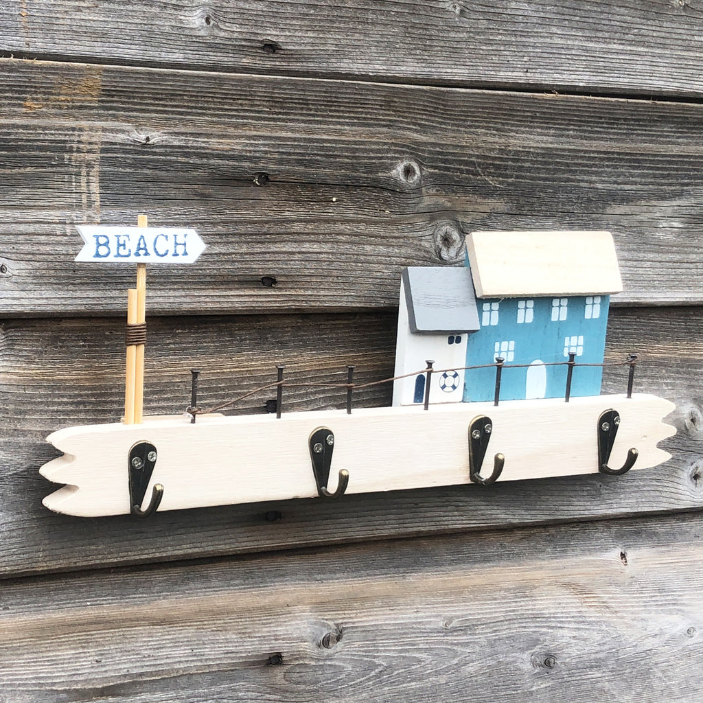 Beach House Plaque With Hooks