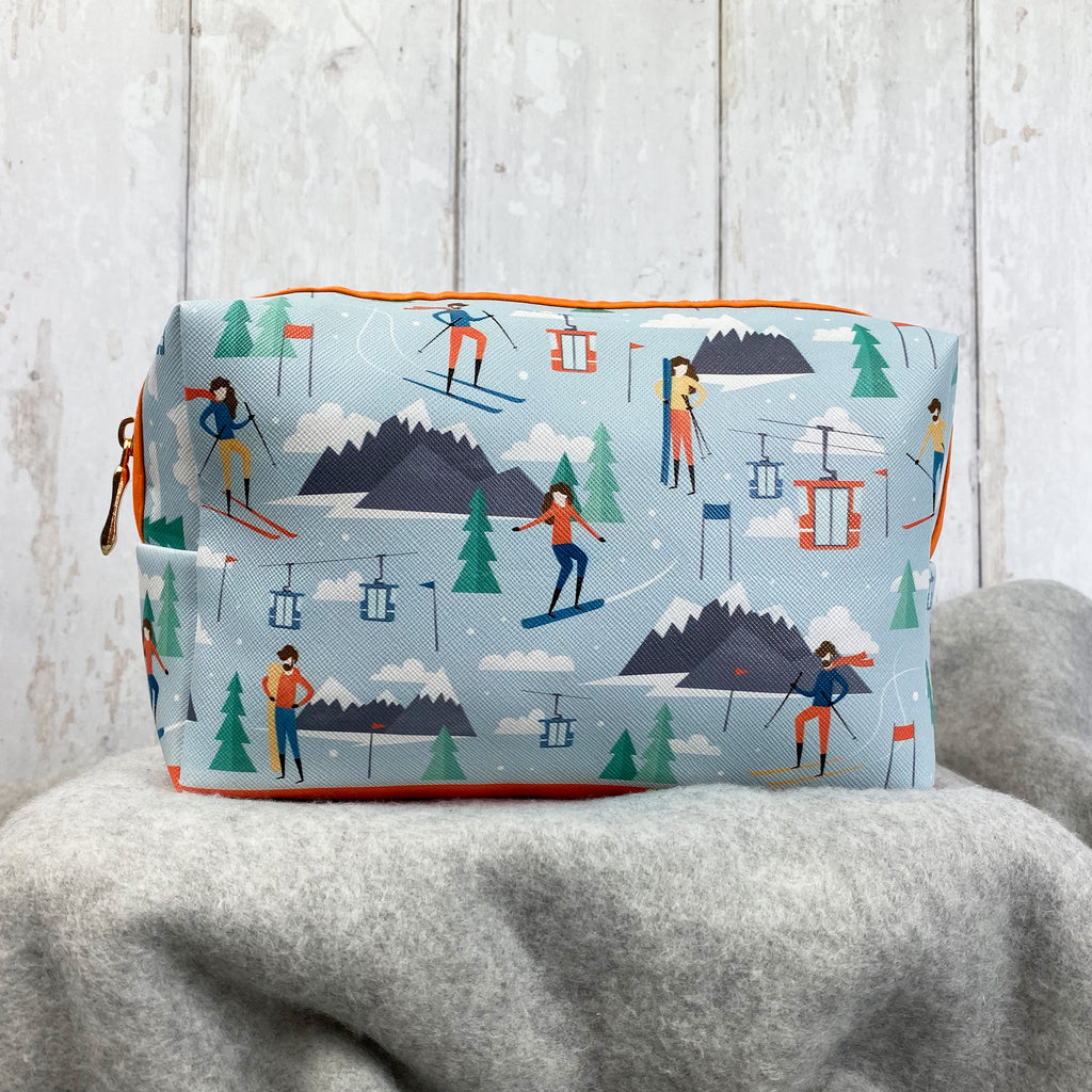 Peak Season Ski Design Toiletry Bag
