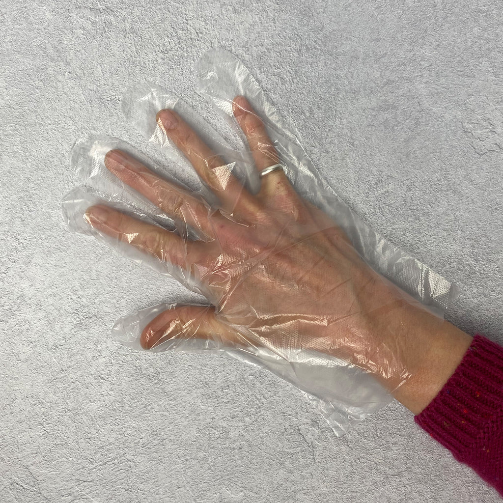 100 Polythene Disposable Gloves One Size