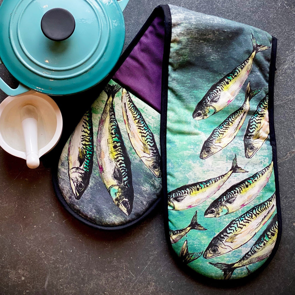 Mackerel Shoal Oven Gloves