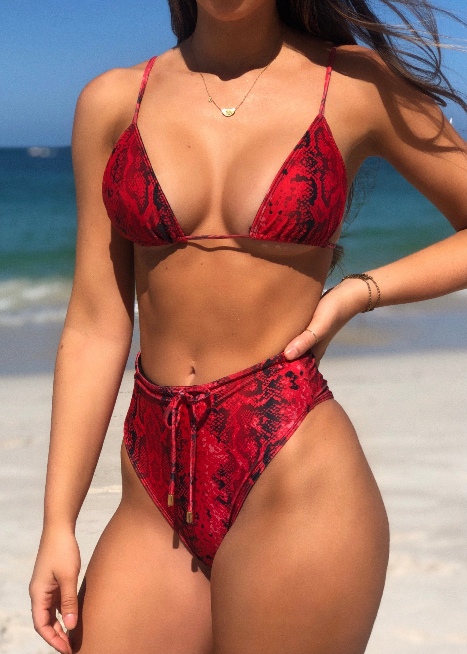 Ayva Kini Top Red Cobra