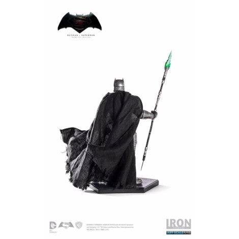 Iron Studios 1:10 Scale -  Battle Damaged Armored Batman Batman V Superman