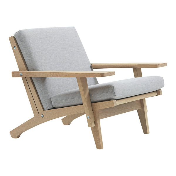 GE 370 Easy Chair w/ Armrests