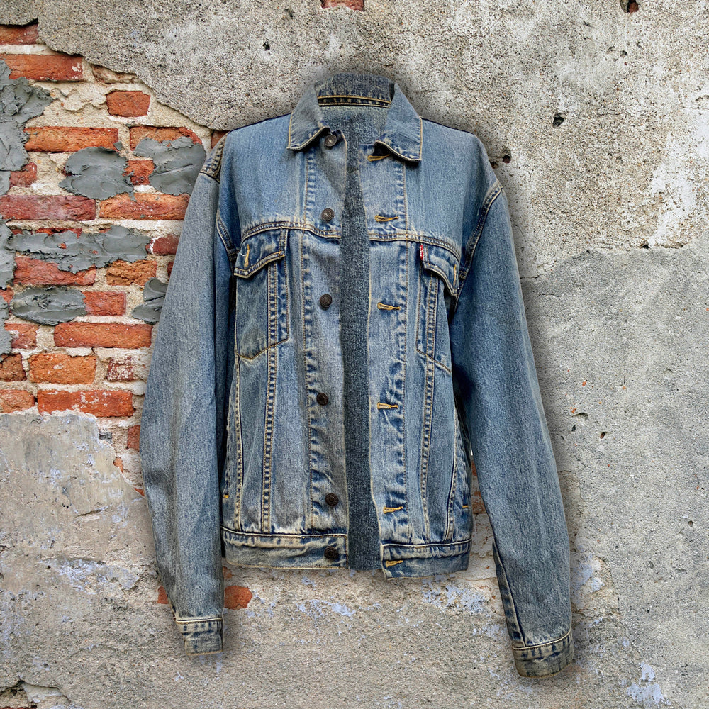 UNLOVABLE DENIM JACKET (LIGHTWASH / MEDIUM)