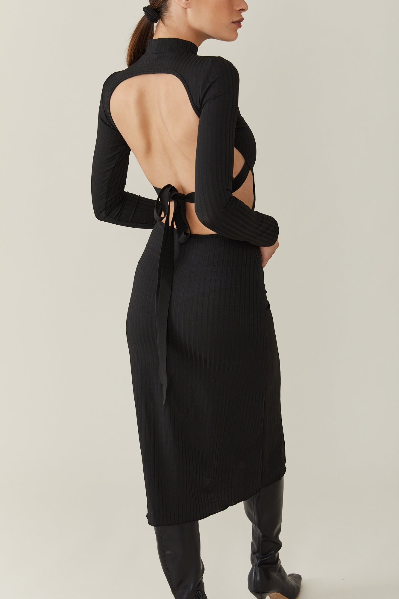 Neomi Backless dress