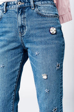 Mom jeans with embroidered stars