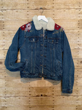 Load image into Gallery viewer, Jammin' Jean Jacket