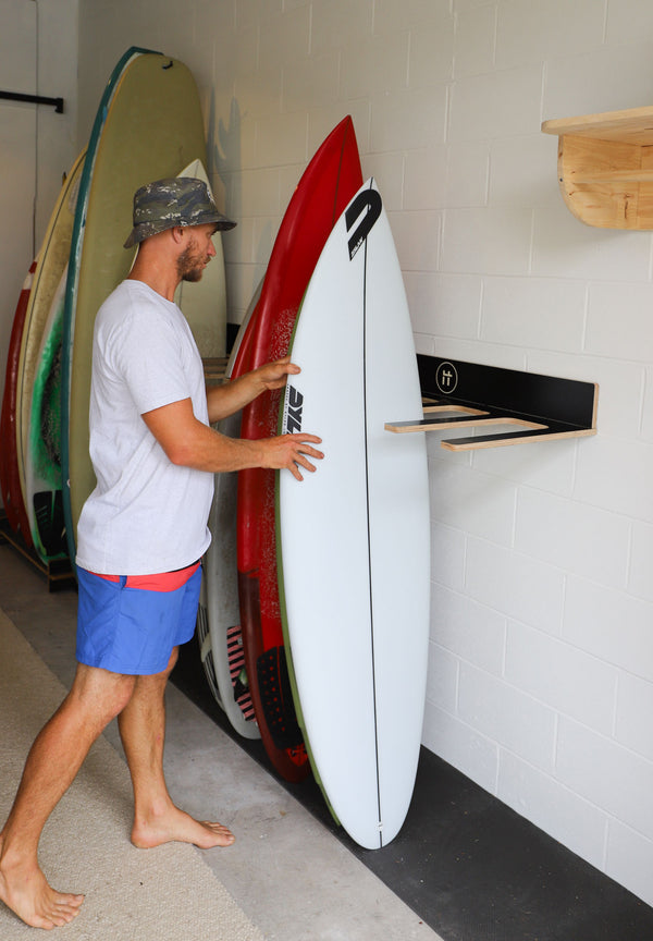 Q10 WALL MOUNTED SURFBOARD RACK