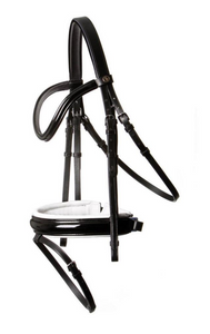 BR Kingston bridle for dressage riders. This bridle is detailed to be fashionable for the equestrian rings. Horseback riders can use this piece of tack for all occasions.