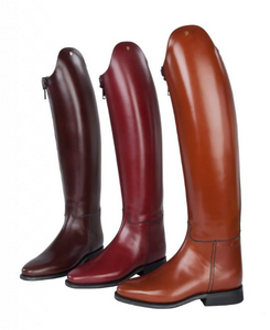 Petrie horseback riding boot for fashionable equestrians. These horseback riding boots are from holland and are great for competition and everyday riding. These are petrie horseback riding boots from Holland.