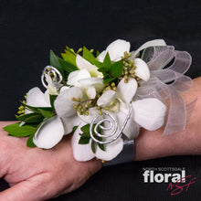 Load image into Gallery viewer, Dendrobium Orchid Corsage