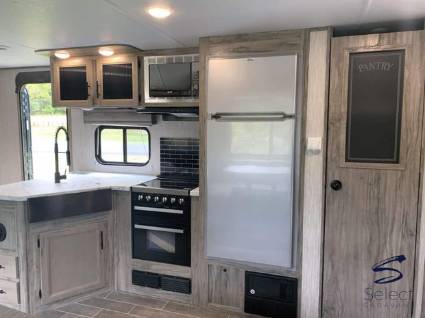 Alpha Wolf - 26Dbh 9.6M (31 6) Bunkhouse 8+ Berth 2 Entry Doors