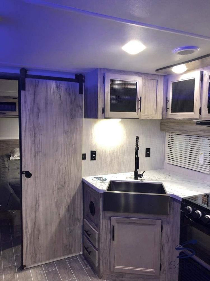 "Alpha Wolf - 26RB - 9.9m (32' 5"") Entertainers dream with internal & external kitchens, 6 berth - Select Caravans Limited"