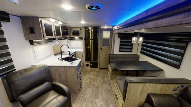 Alpha Wolf - 27Rk 10.2M (33 6) Rear Kitchen 4 Berth