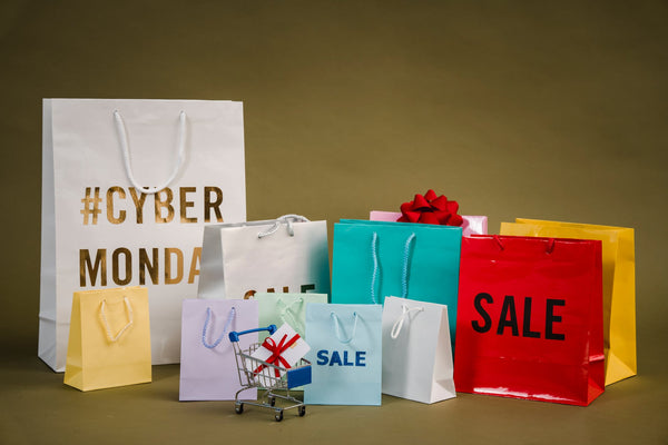 holiday shopping bags; photo courtesy of Pexels