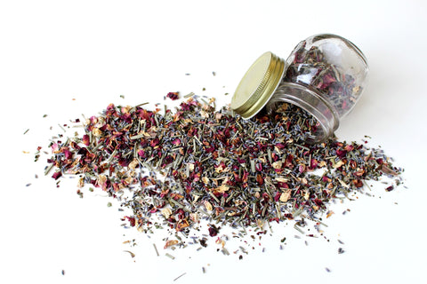 Dried-herb-medicine-holistic