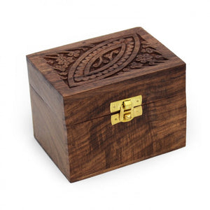 Small Wooden Essential Oil Box (For 6 bottles)