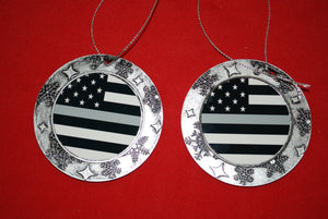 Thin Silver line Christmas Wreath Shaped Ornament