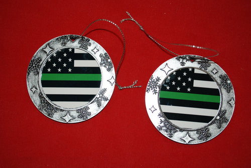 Thin Green line Christmas Wreath Shaped Ornament