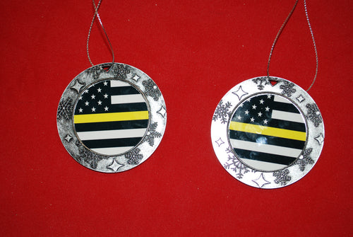Thin Yellow/Gold line Christmas Wreath Shaped Ornament
