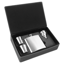 Load image into Gallery viewer, ENGRAVED GIFTS FLASK SET IN BLACK/SILVER