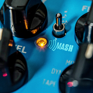 TC ELECTRONIC FLASHBACK 2 DELAY Legendary Delay Pedal with Groundbreaking MASH Footswitch, Crystal Delay Effect and Built-In TonePrint Technology