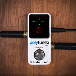 TC ELECTRONIC POLYTUNE 2 MINI Ultra-Compact Tuner with Polyphonic, Chromatic and Strobe Modes plus 109-LED Display for Ultimate Tuning Performance
