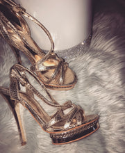 Load image into Gallery viewer, LUXE— Bakers heels (Thrift Boutique)