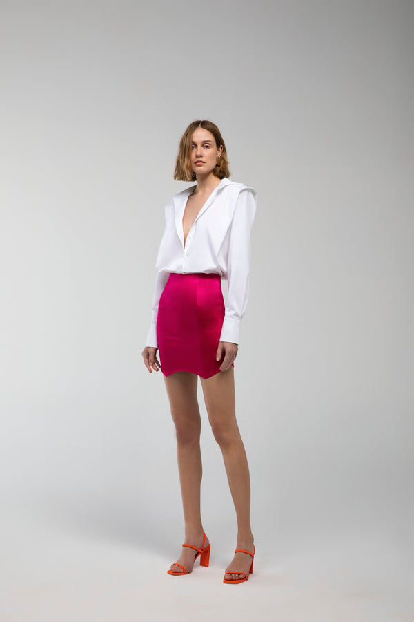 Ruby - Mini asymmetrical satin skirt in fuchsia