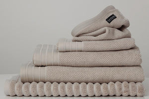 Jacquard bath towel set in Wheat