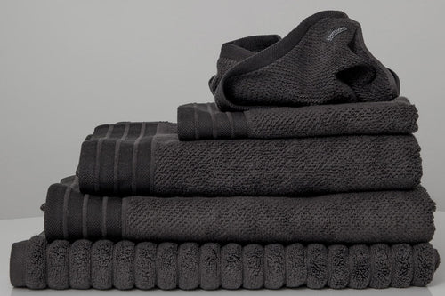 Jacquard bath towel set in Charcoal