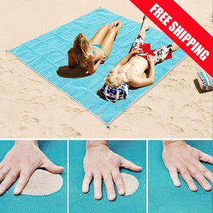 EXCLUSIVE!!  No more sand bothering you. Sand Free Beach Mat