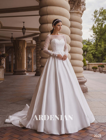 Wedding Dress Model 2028