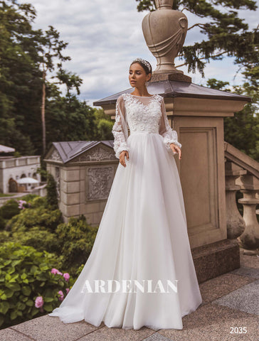 Wedding Dress Model 2035