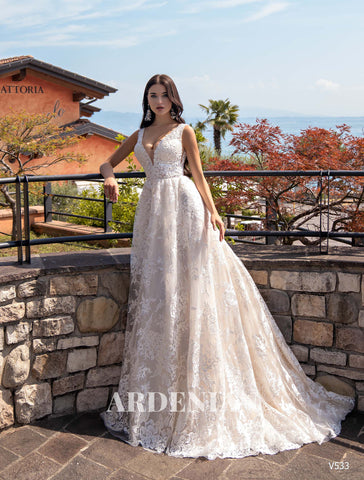 Wedding Dress V533