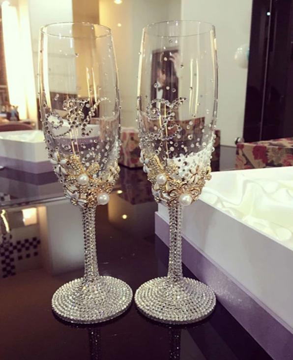 Luxury Rhinestone Champagne Glasses