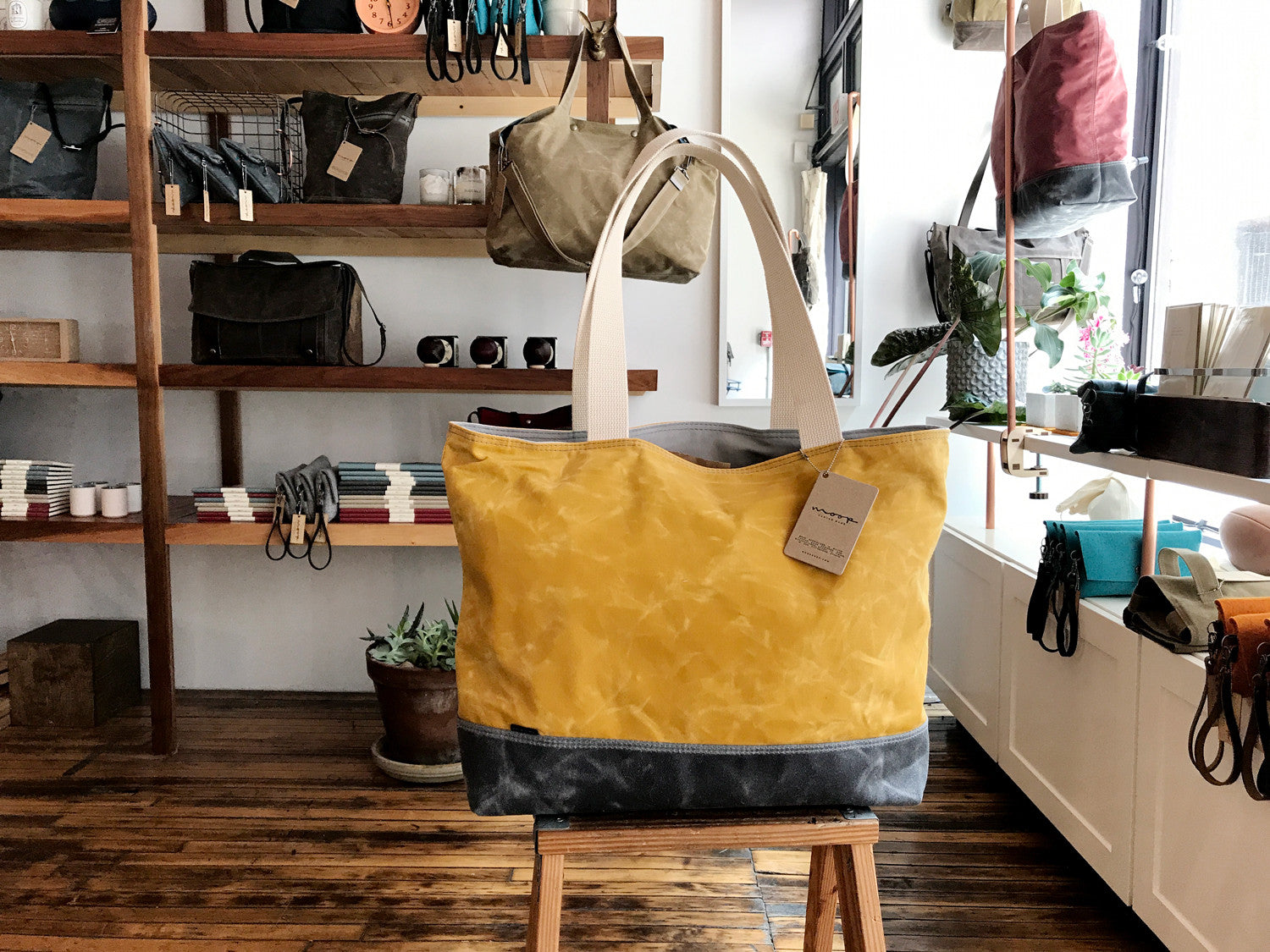 shopper no.1 in waxed canvas