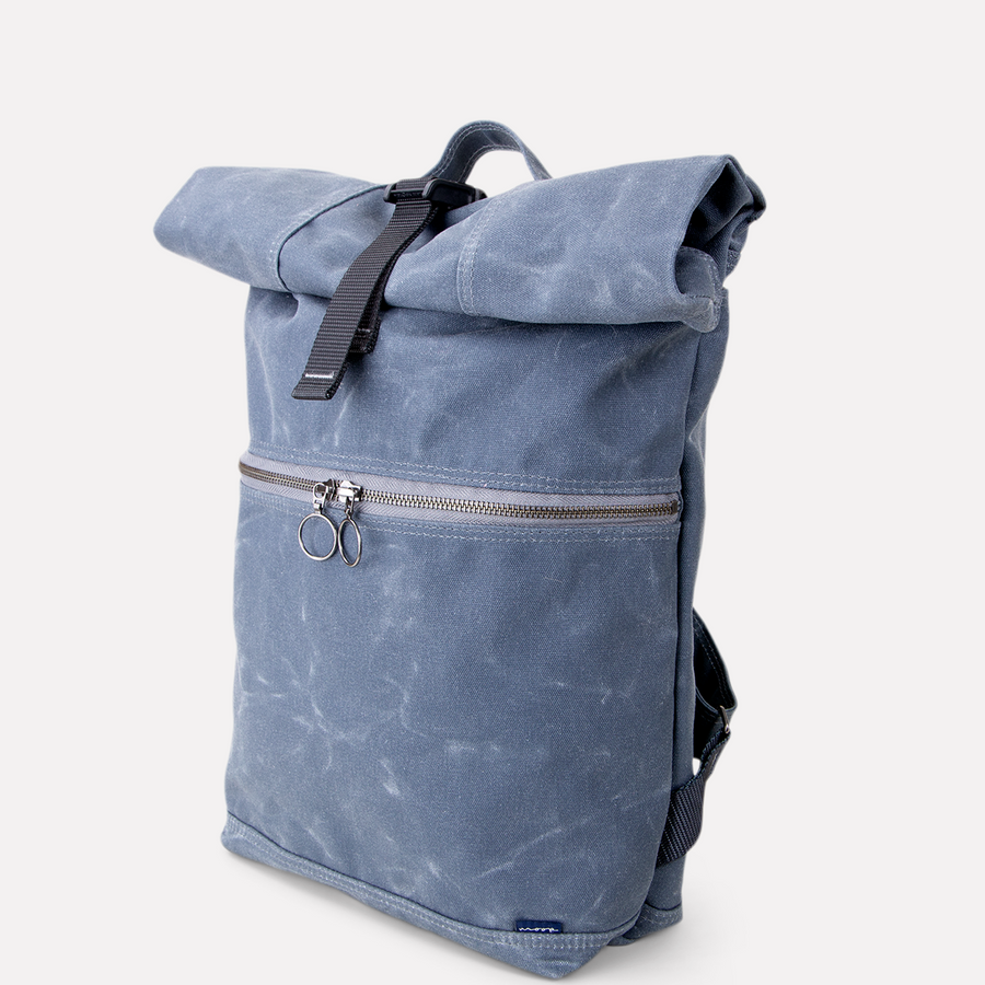 Backpack no.4 in SHARK