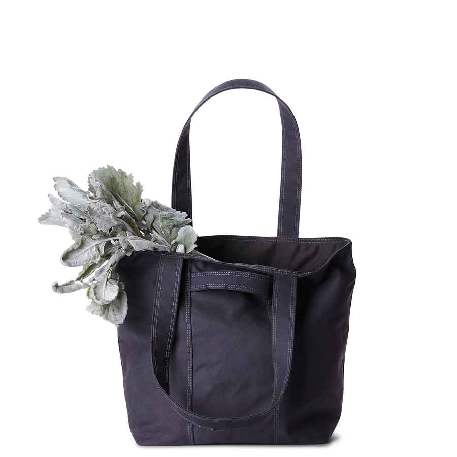 The Smaller Weekender in MIDNIGHT